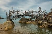 Than-Sadet-bridge-07